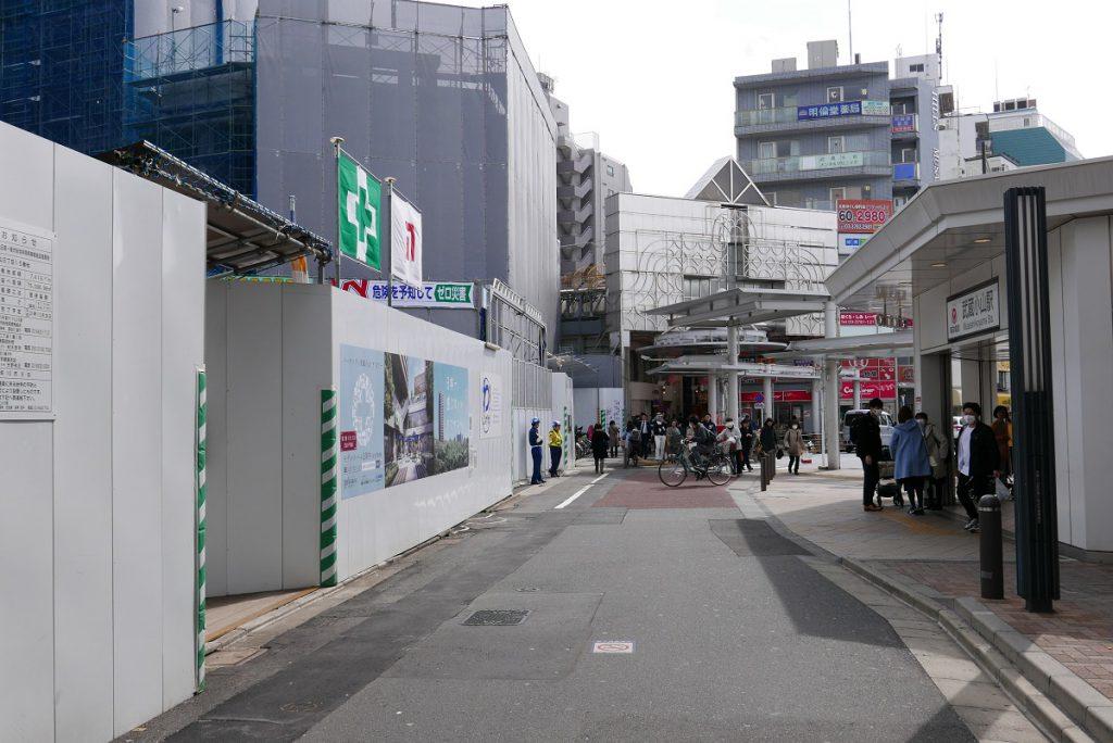 武蔵小山駅前